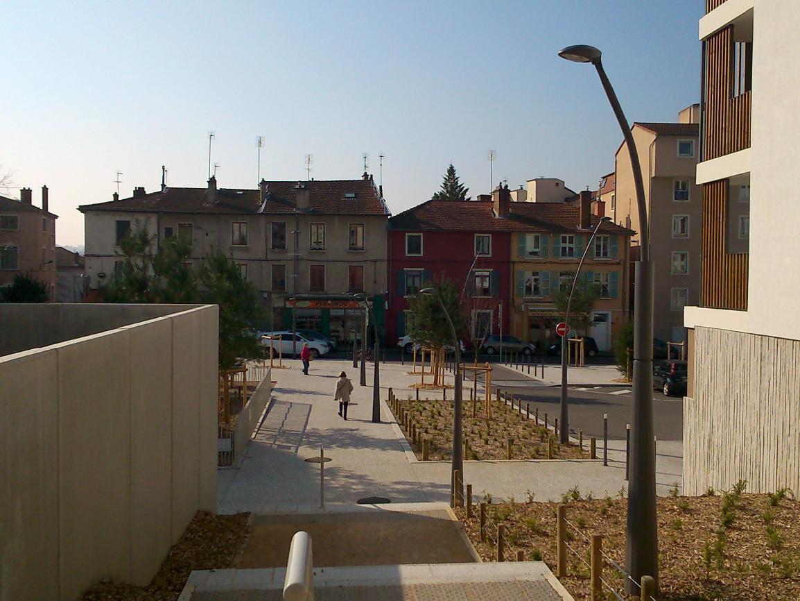 ...les pieds dans l'herbe - Lyon - 69-Rhône
